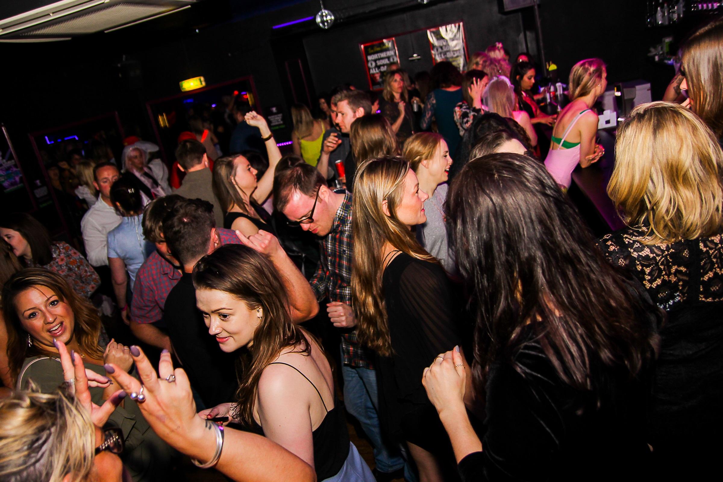 gay night clubs in brighton